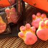 ぷにぷにの肉球が可愛いお菓子に!東京駅限定の「肉球マドレーヌ」。通販でも購入可能